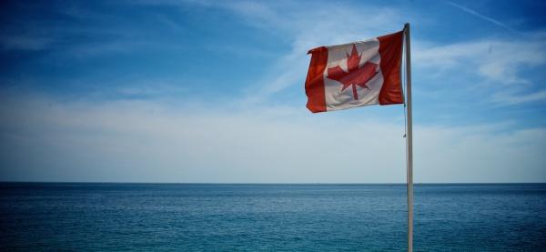 canadian-flag-on-beach-1
