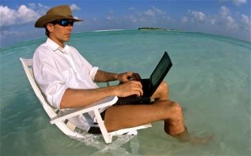 laptop-work-holida_2365102b